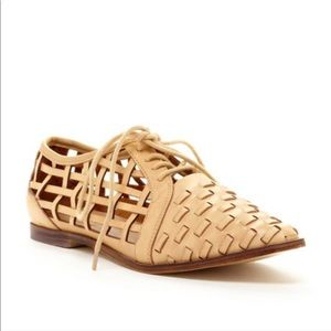 Coconuts by Matisse Gimlet Woven Oxfords
